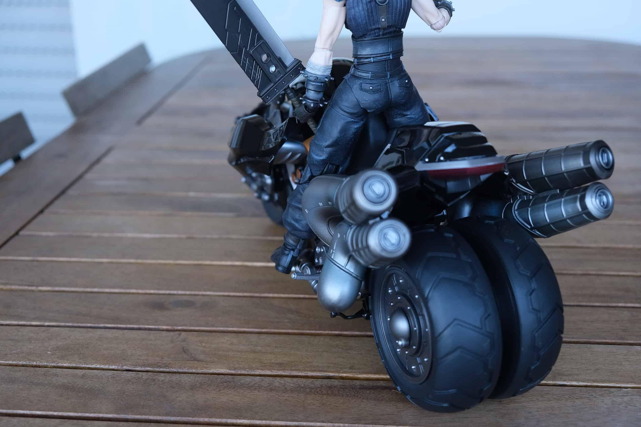 Dettaglio e Cloud Strife, Hardy Daytona Final Fantasy VII Remake