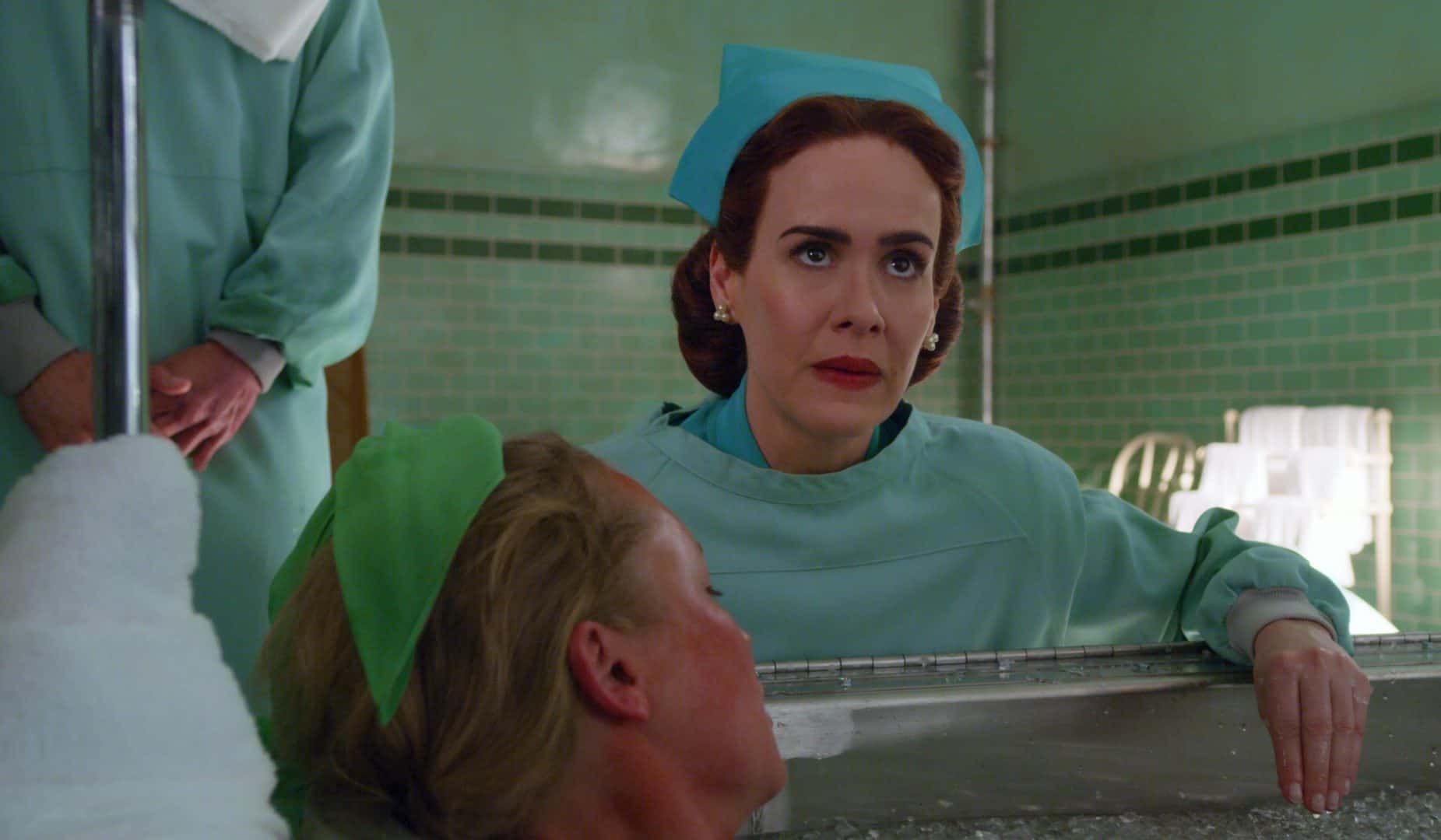 SARAH PAULSON è MILDRED RATCHED